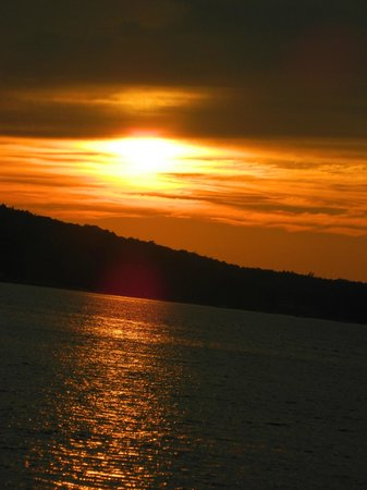 Frenchman Bay: Perfect sunsets on the bay