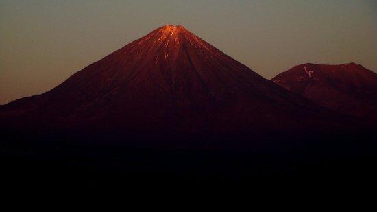 Tierra Atacama Hotel & Spa: VISTA DO VULCAO LICAN KABUR