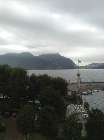 Hotel Ancora: Little port and ferry stop on a rainy day