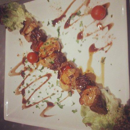 Restaurante Mar y Monte : brocheta mixta