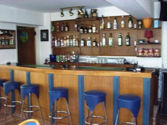 Pasianna Hotel Apartments: Bar