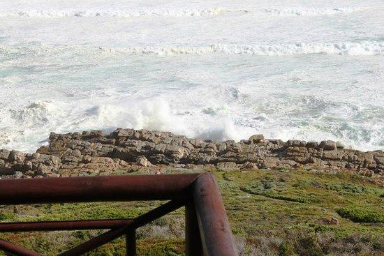 Oyster Bay Beach Lodge: Soooooooo close to the ocean!