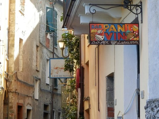 Pan e Vin Bar: Extérieur