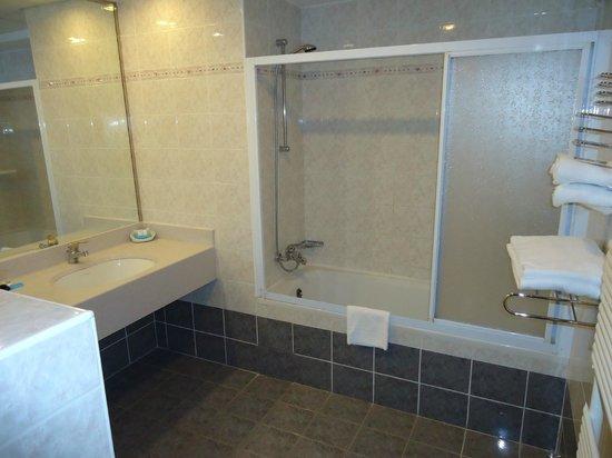 Remisens Premium Roza, Annexe: Badezimmer