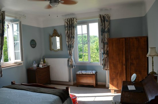 Le Chevrefeuille : Master bedroom