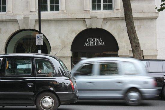 ME London Hotel: Cucina Asellina