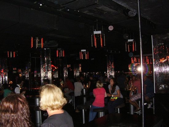 RIU Palace: Dance floor and bar areas