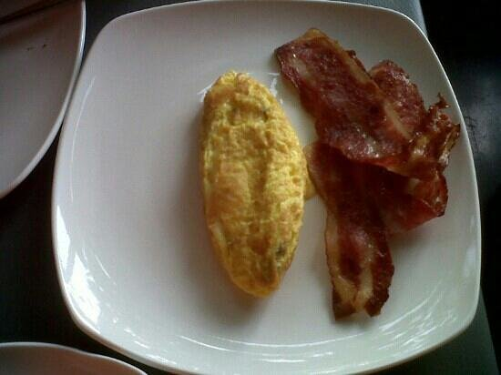 BEST WESTERN Kuta Beach: Egg and Bacon