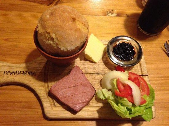 Blacksmiths Arms: Chicken liver pate