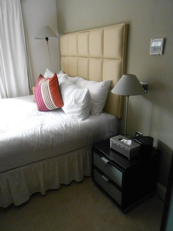 Ethos Hotel Oxford: Bed