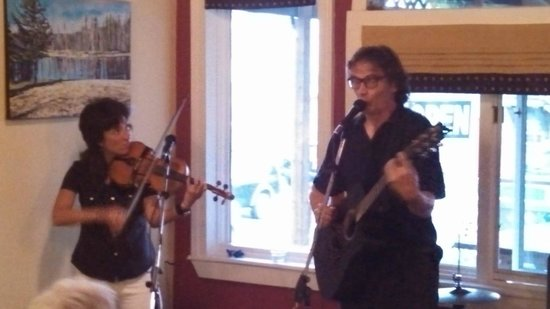 Stone Soup Cafe : As well as professional musicians!