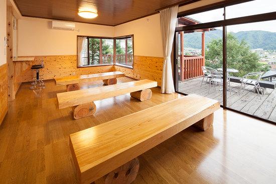 Kawaguchiko Country Cottage Ban: 室内
