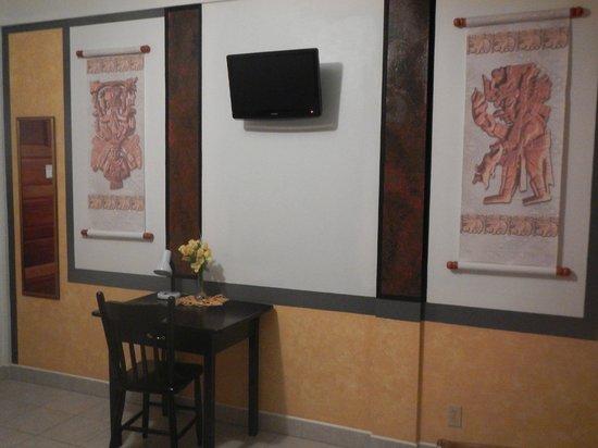 Rumors Hotel: Great room!