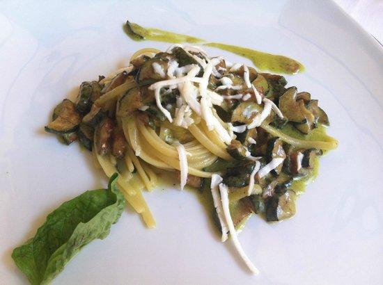 Villa Verde: Pasta with zucchini