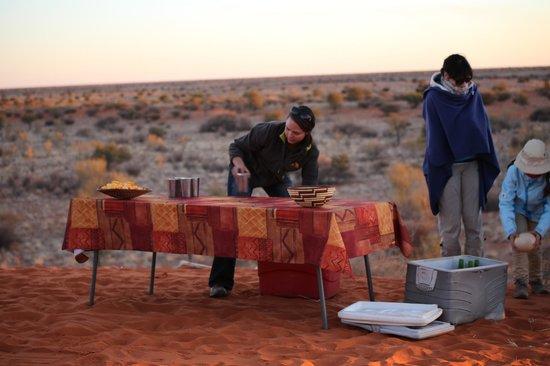 Kalahari Anib Lodge: l'aperitivo al tramonto
