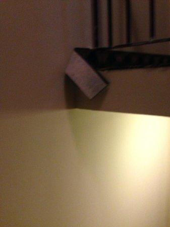 Super 8 Huntsville: Carpeting in Stairwell