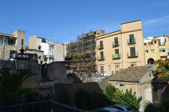 Palazzo Brunaccini: View from room - typical Palermo