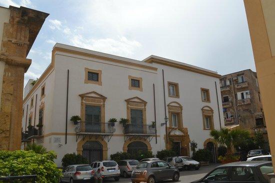 Palazzo Brunaccini: View of hotel