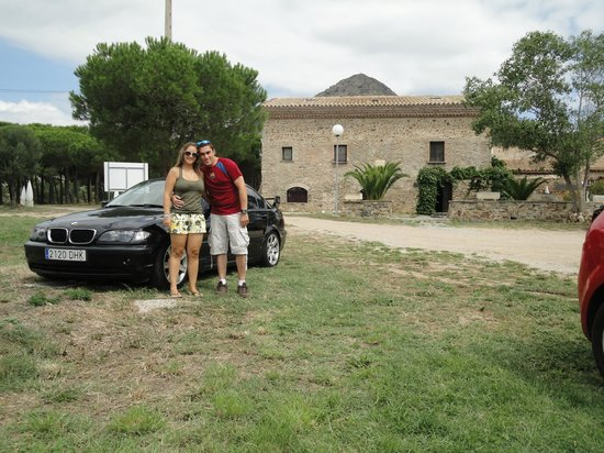 Hotel Restaurant Mas Palou: Parking y alrededores