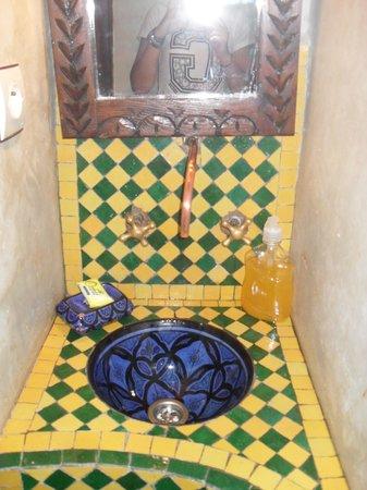 Riad Chakir Mogador : salle de bain