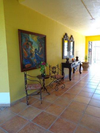 El Encanto Inn & Suites Boutique Hotel: Entryway at El Encanto.