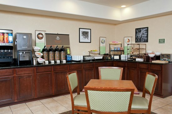 Country Inn & Suites By Carlson: Breakfast Area