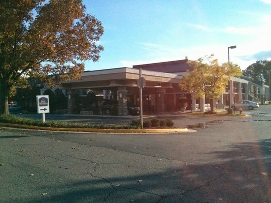 Best Western Dulles Airport Inn: Hotel front