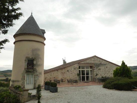 Teyssode, France: Watchtower and dinner building