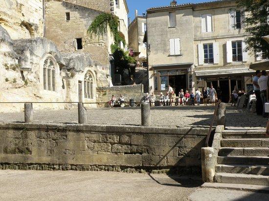 Massugas, France : st-emilion