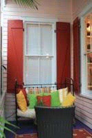 Key West Bed and Breakfast: Patio on ground floor