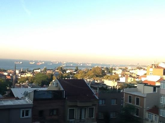 Blue Istanbul Hotel: 4th floor seaview room
