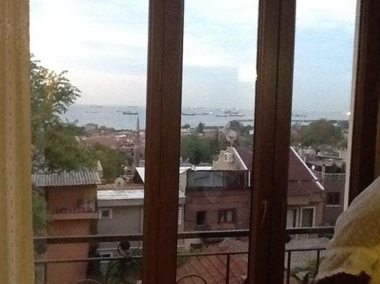 Blue Istanbul Hotel: 4th floor room seaview