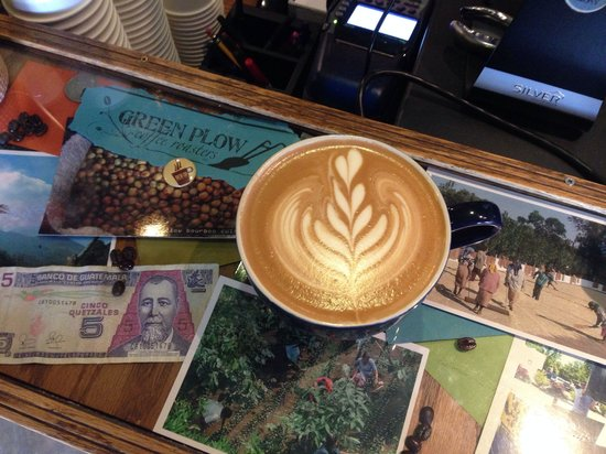 Green Plow Coffee Raosters: Latte art makes it taste better! ��