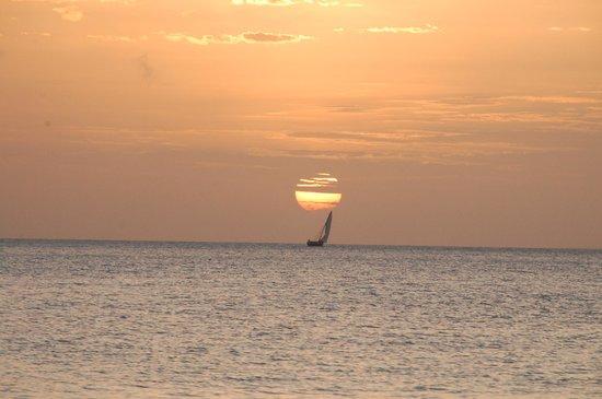 Butiama Beach: Glorious sunsets