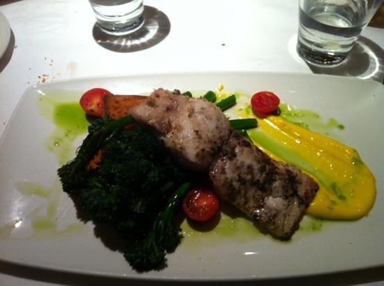 Montrio Bistro : Local fresh fish