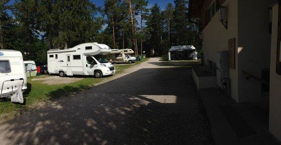 Camping Al Plan: Piazzole antistanti i servizi ed il carico/scarico