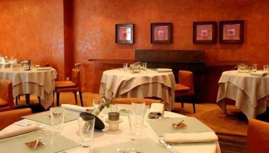 Restaurant Le Clos des Sens : inside view ks 123