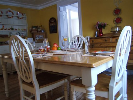 Wellington Willows B&B : Enjoy a delicious breakfast in our country kitchen