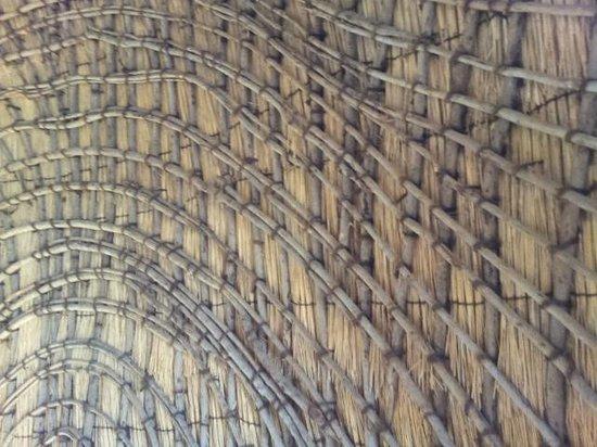 Isibindi Zulu Lodge: Latticed framework supporting the thatch