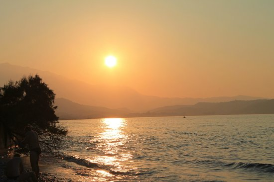 Hydramis Palace Beach Resort : Strandbereich am Abend