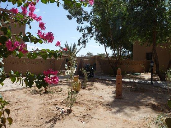 Les Portes du Desert: aperçu entrée de l'hôtel