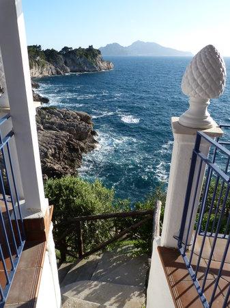 Hotel Delfino : Descente vers la mer