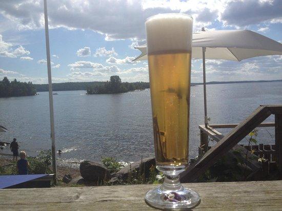 Rastaholms Vardshus: Utsikt + öl