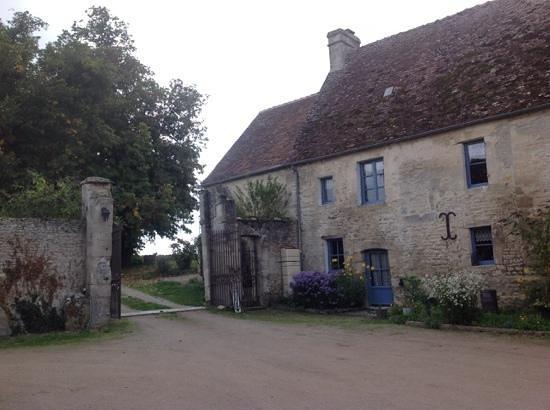 Manoir de Coulandon : the front gates