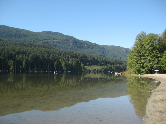 Westwood Lake Park: Second swimming beach.