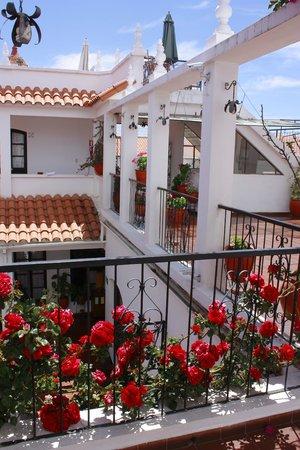El Hostal de Su Merced: Beautiful spring details of hotel de Su Merced