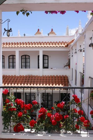 El Hostal de Su Merced: Beautiful spring details in a colonial atmosphere