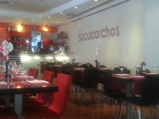 Sacacorchos Uncibay: interior restaurante