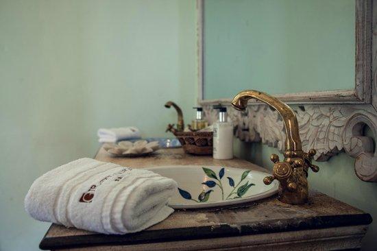 Giraffe Manor: Bathroom