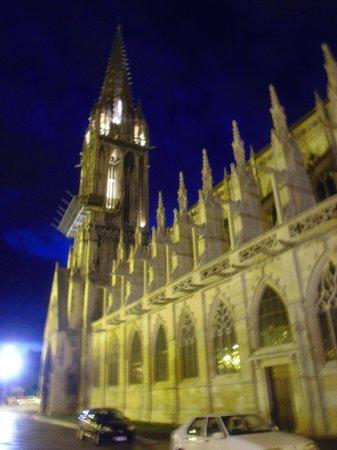 Mercure Caen Centre Port de Plaisance: cattedrale